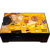 BLACK WOODEN MUSICAL JEWELLERY BOX WITH THE KISS (KLIMPT) TUNE AS TIME GOES BY