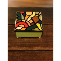 WOODEN MUSICAL JEWELLERY BOX GREEN WITH COLOURED INLAY TUNE YESTERDAY